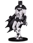 DC Artists Alley Statue Batman Black & White by Hainanu Nooligan Saulque 17 cm