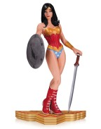 Wonder Woman The Art of War by Yanick Paquette 18 cm